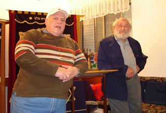 """Congregação Roe Israel, sob a direção do Rabino Joseph Shulam. Trabalho com judeus e com distribuição de """"sopão"""" a comunidades carentes. (Israel)"""