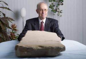David Jeselsohn, o colecionador israelense que comprou a tabuleta milenar em um antiquário na Jordânia.